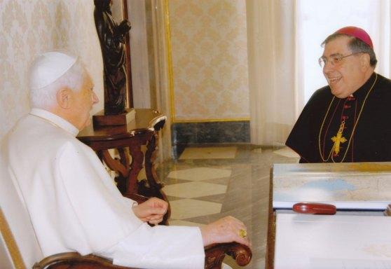 Papa e mons.  Fontana visita ad alimina